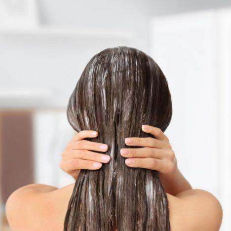 くせ毛の人ほどナイトキャップを被るべき5つの理由